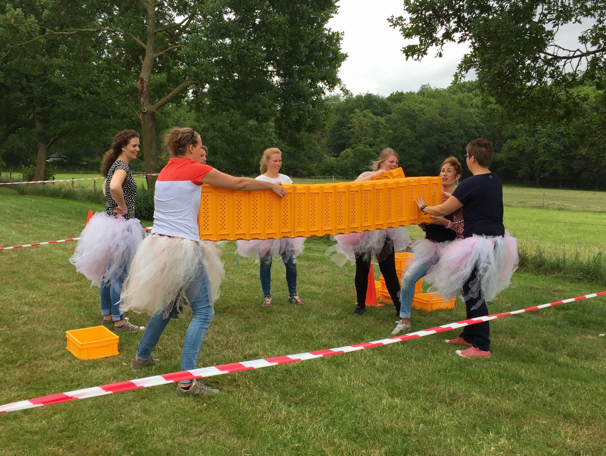 Wighland-Games-vrijgezellenfeestje-dames-kratstapelen-horizontaal